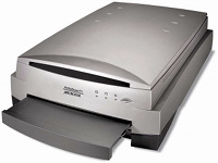 Picture of scanner: Microtek ScanMaker i900